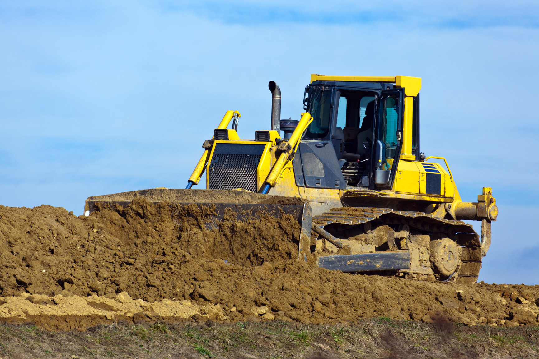 photodune-1835698-excavators-at-work-at-construction-site-m
